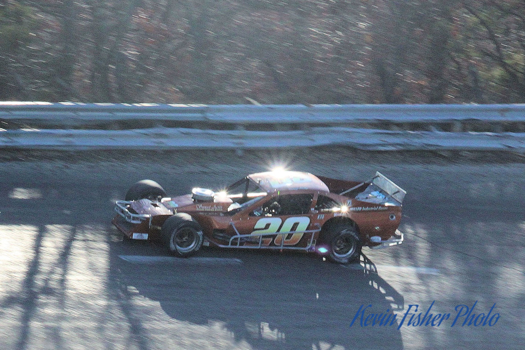 b) Tour Modifieds - Feature   037