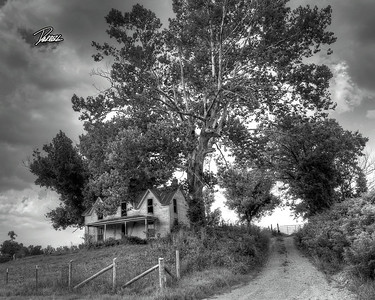Item# 1122 (OLD HOUSE) KENTUCKY 2 (B&W)  8X10 copy