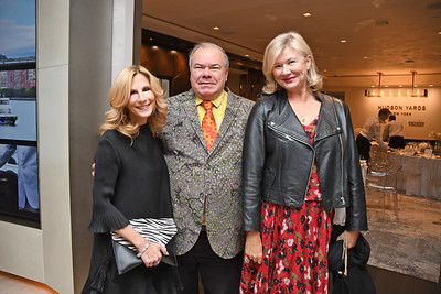 Randi Schatz, Hunt Slonim, Lady Liliana Cavendish AVENUE MAGAZINE Presents the SALON DINNER & CONVERSATION with Architect and Designer DAVID ROCKWELL  10 Hudson Yards NYC, USA - 2017.10.17 Credit: Lukas Maverick Greyson