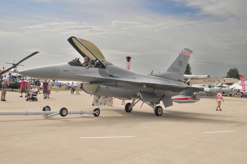 F-16 arriving