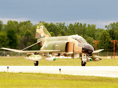 F-4 PHANTOM JET FIGHTER