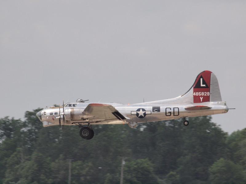 "B-17 ""YANKEE LADY"" BOMBER"