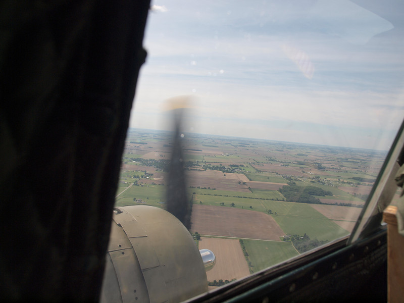 B-17G COCKPIT WINDOW VIEW