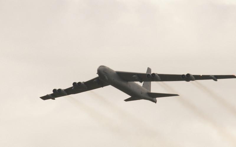 B-52 JET BOMBER