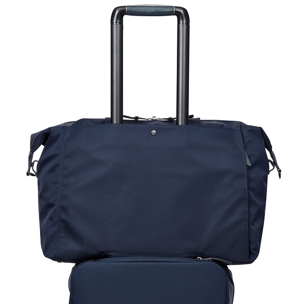 Mayfair, Stratton; Duffle; Dark Navy; 119-807-DNV; on trolley with handle up; 1MB