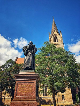 Merchants' Church and Luther Statue