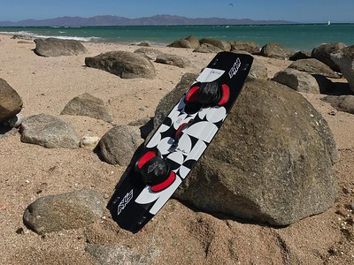 2017 AXIS Limited, Twin tip, Kiteboard, Freeride/Freestyle, Full Carbon kiteboard, Baja, Mexico