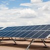 Fonte: https://freerangestock.com/photos/87060/solar-power-array.html