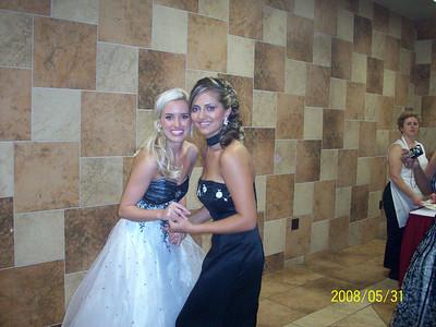 Sanja Ilic (Miss AZ) (left) with Emina Graskovic (Miss USA) (right)