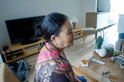 Nederland, Amsterdam, 7 juni 2017, Aankomst in mijn Buurt, mevrouw Wong Chung wordt geinterviewd door Lukas Rijk en Luna, foto: Katrien Mulder