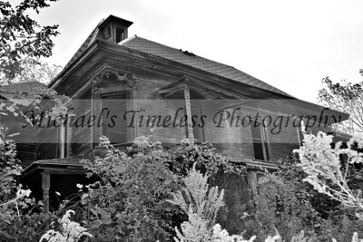 House_Old_0002-034_04x06_BW