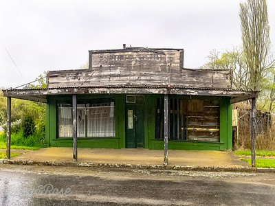 Abandoned Country Store near Matierte