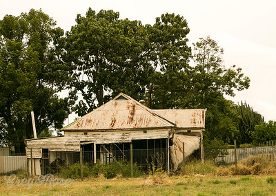 Old house in Putty Rd.