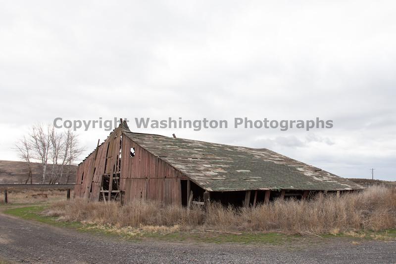 Abandoned Barn 49
