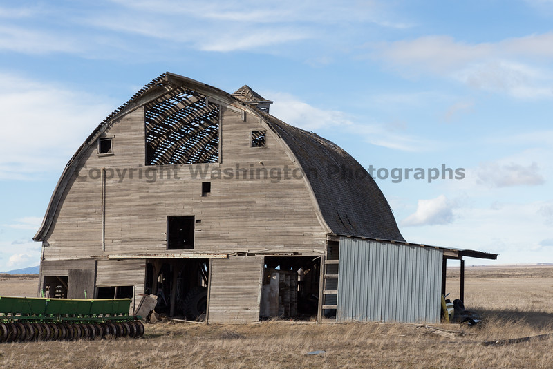 Abandoned Barn 046