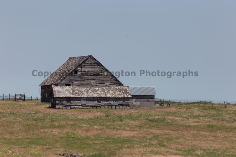 Abandoned Barn 98