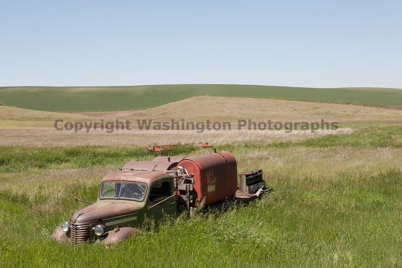 Abandoned Truck 010