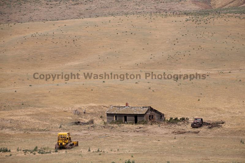 Abandoned House 070