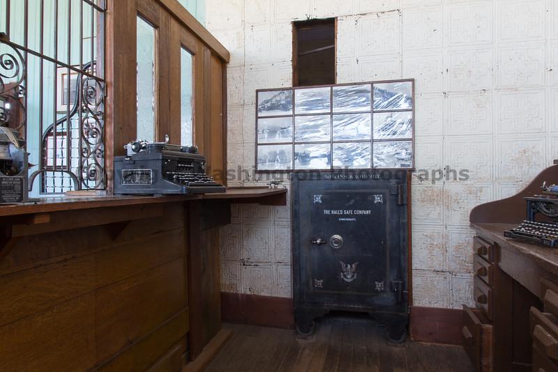 Abandoned Molson 26