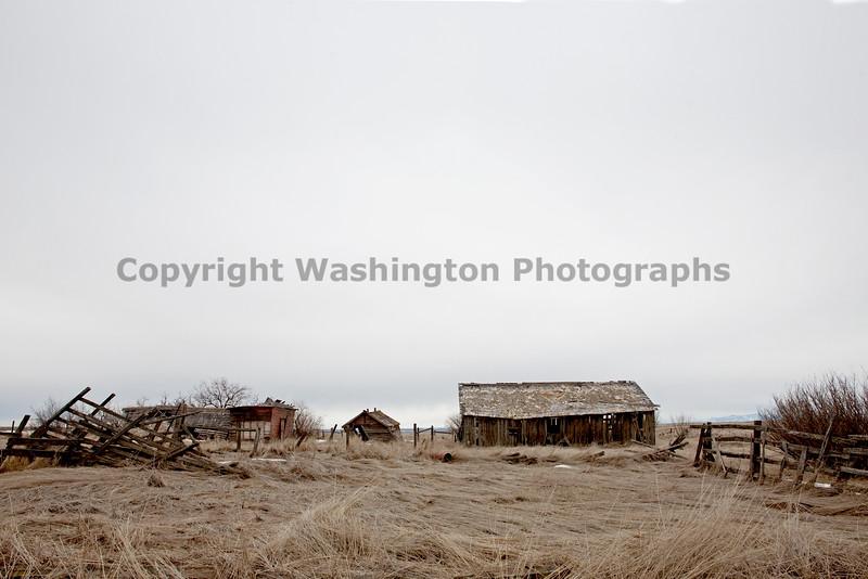 Abandoned Barn 008