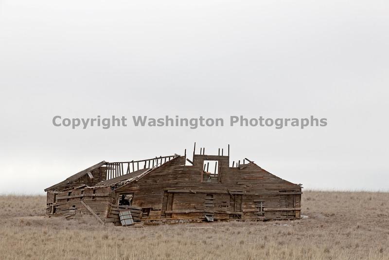 Abandoned Barn 006