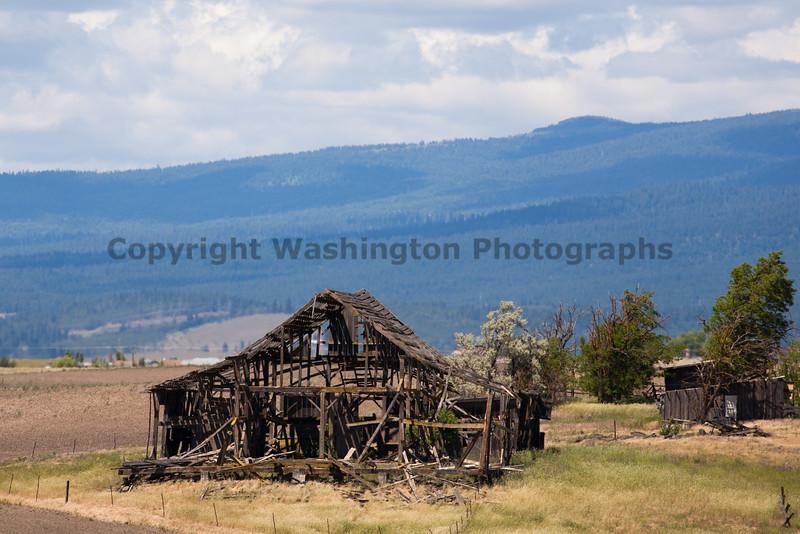 Abandoned Barn 030