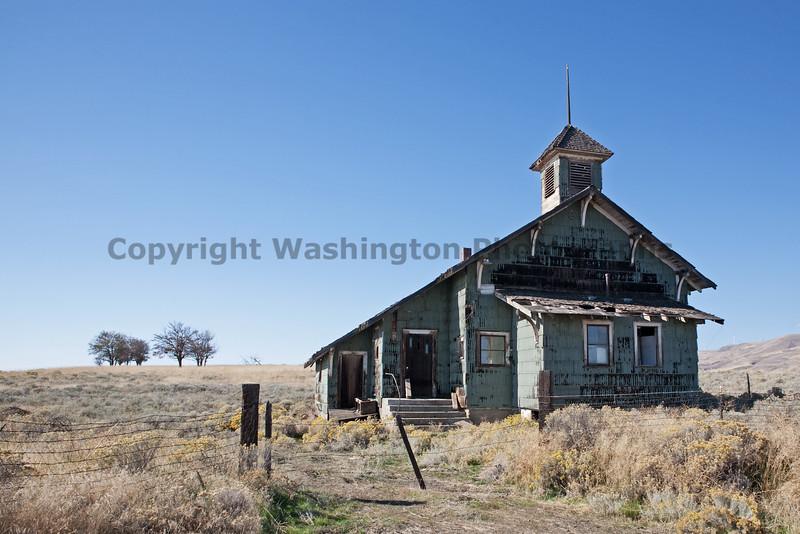 Abandoned Schoolhouse 002