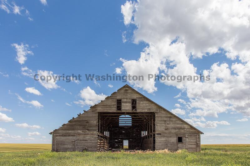 Abandoned Barn 61