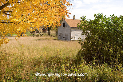 Abandoned Farmhouse in Autumn, Sauk County, Wisconsin