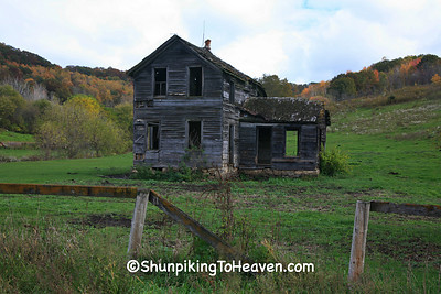 Abandoned House in Autumn, Richland County, Wisconsin