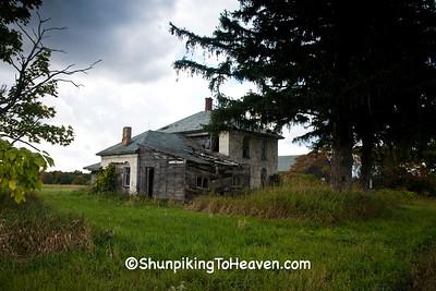 Abandoned Farmhouse, Vernon County, Wisconsin