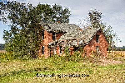 Abandoned Brick House, Trempealeau County, Wisconsin