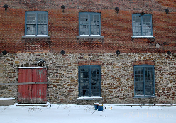 Cliffe Craft Building. Abandoned Gananoque property.