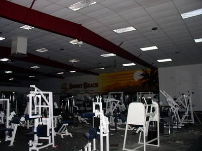 the gym, an overview. And no, the lights are not on in any of these photos, cool what the flash can do though eh?
