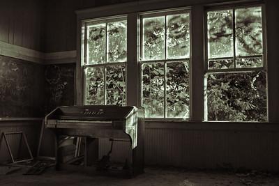 Helvetia Schoolhouse Organ