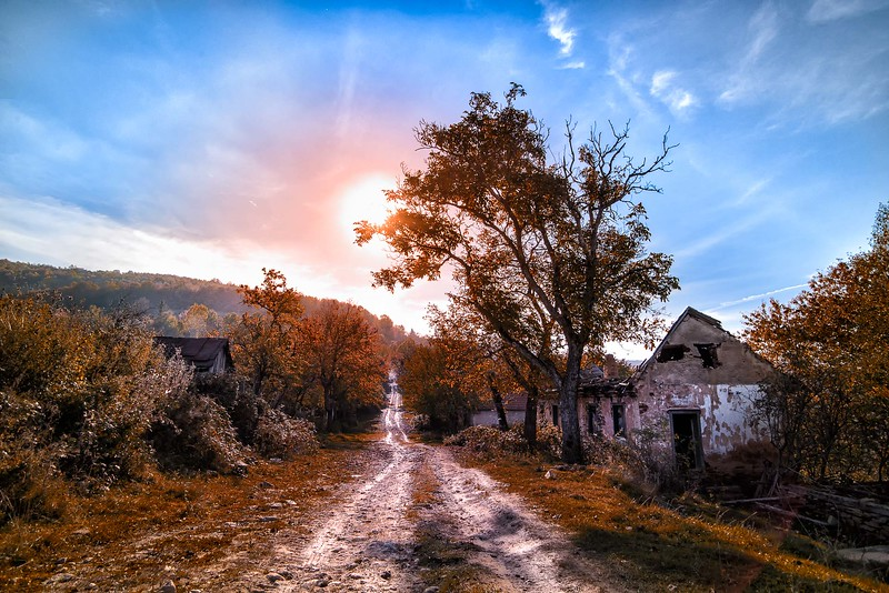 Satele parasite ale Romaniei, foto de David Ovidiu, fotograf Timisoara.
