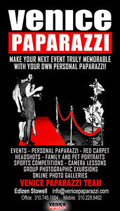 000  Holidays are around the corner.  Hire Venice Paparazzi to be your event photographer.