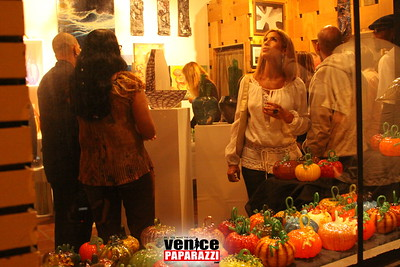 1    Nov  7th, 2008    Gallery 1638 Grand Opening   First Fridays   Photos by Venice Paparazzi (22)