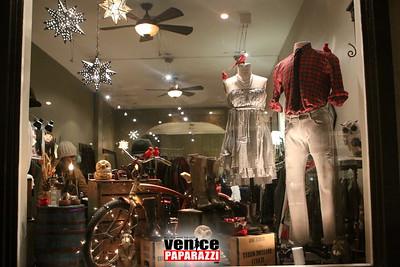 http://www.nitespa.com, http://www.venicetrim.com, http://www.zingaratrading.com. http://www.aviatornation.com,  www.venicepaparazzi.com