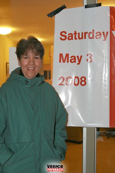 2  Betsy Goldman promotes the Venice Garden Tour