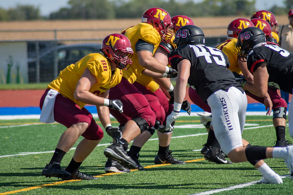 NSU linemen during a play