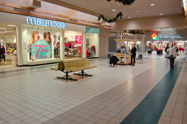 Maurices and Herbergers at Aberdeen Mall
