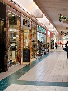 Aberdeen Mall storefronts portrait