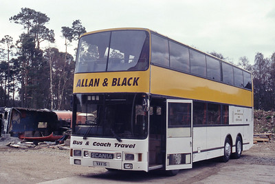 Allan and Black Aboyne VAV15 Depot Aboyne Apr 95