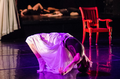 Chicago Dance Crash (Photo by Johnny Nevin) 131205-1001