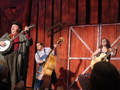 Family Trip in Pigeon Forge, TN- Hatsfields and McCoys Dinner Show Mini Movie