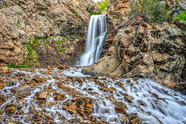 4 mile round trip with an elevation gain of 1400 feet.   Hiking in this deep canyon you are surrounded by white firs, scrub oaks, pines, maples and this beautiful tumbling creek.  The final destination is the 40 foot high Adams falls.    A few places along the trail require  minor rock scrambling.