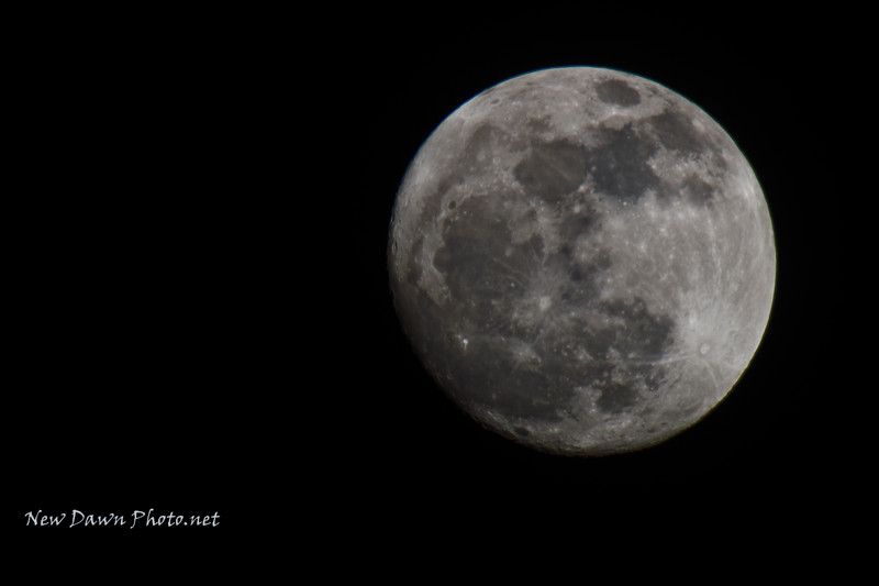 Moon-Shot with Opteka 650-1300mm lens full manual