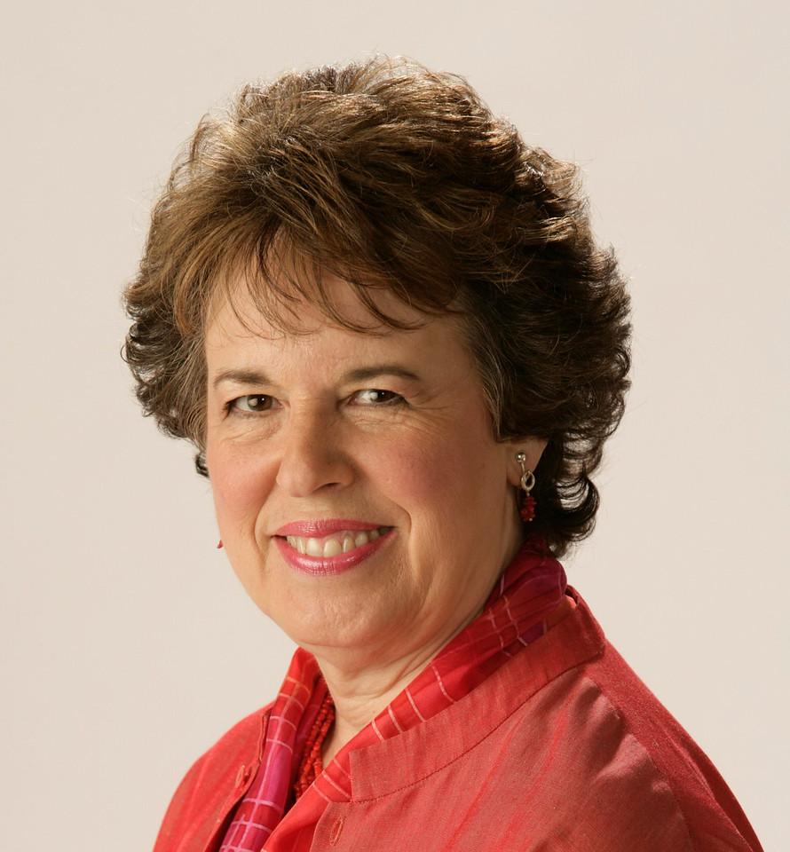 Hon. Sandra L.  Frankel