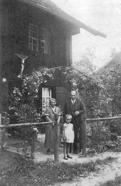 Yael with Gunta's Parents